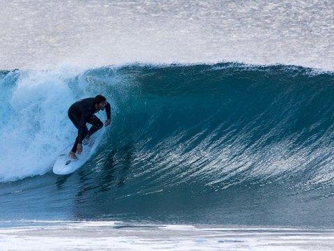 surfer north steyne