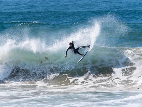 surfer dy beach