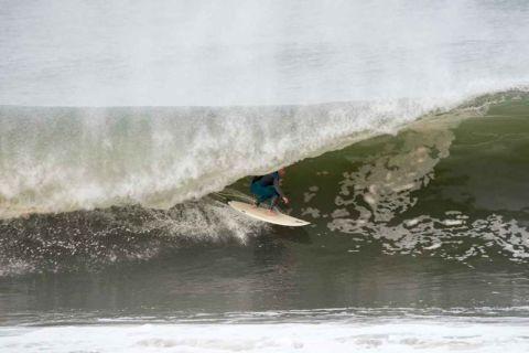 sth narrabeen surfer