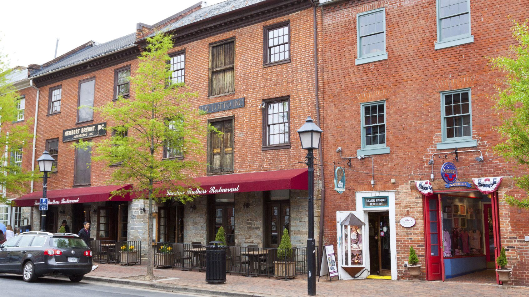 Alexandria, VA was crowned the top downtown of 2016 due to its charming mix of shops and restaurants as well as historic pedigree.