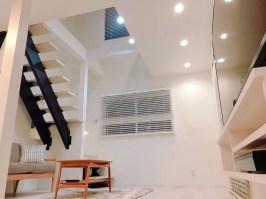 リノベーション、戸建てリフォーム、吹き抜け、デザイン、白い床