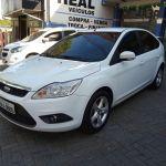 Ford Focus Focus 1 6 Completo 4 Portas Flex Branco 2013 Real Veiculos Comercio De Automoveis E Motos Seminovos E Usados Em Maringa Compra Venda Troca Financia E Consignacao