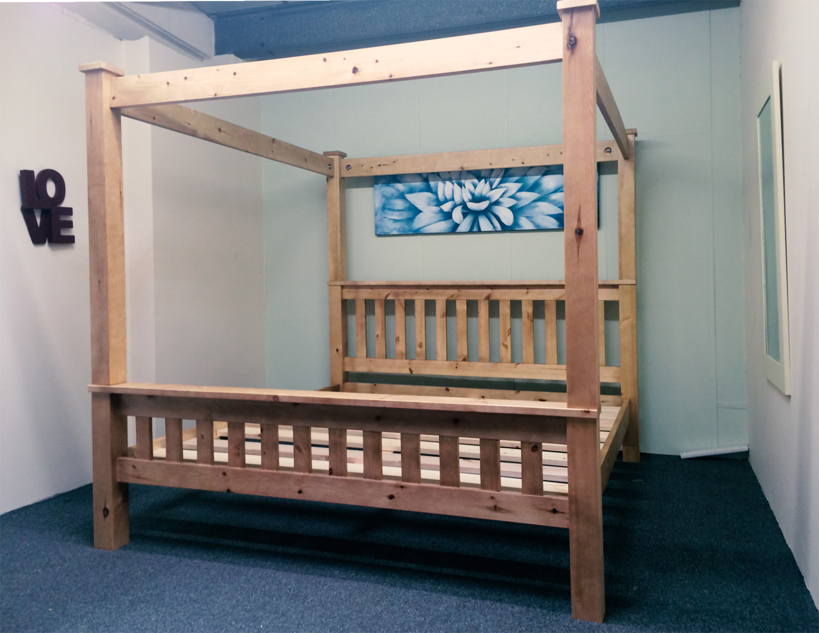 5ft Kingsize Bed Frame Solid Pine Chunky Four Poster