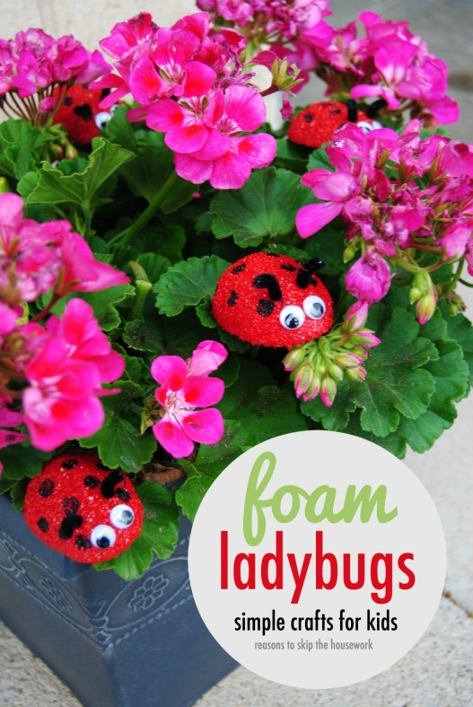 Foam ladybugs are the perfect kid craft for Spring and Summer! #makeitfuncrafts