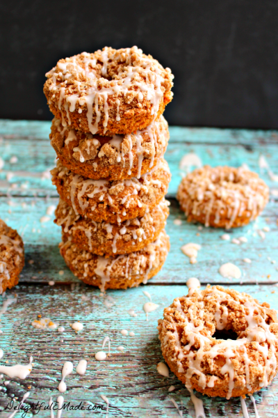 Pumpkin-Coffee-Cake-Donuts-by-Delightful-E-Made.com-vert6-682x1024
