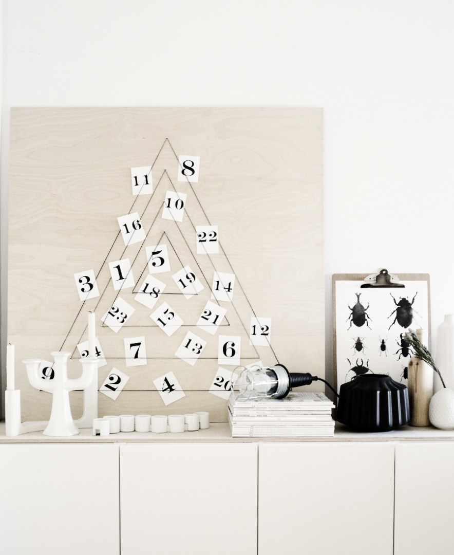 There's something magical in counting down to Christmas with DIY Advent Calendars. It's so fun to get a little surprise each day, whether it's a treat, a quote or scripture, or a fun activity to do.