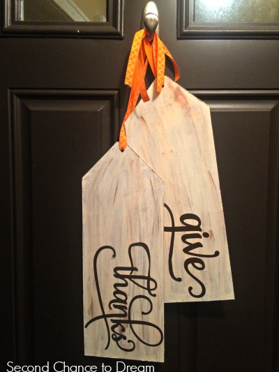 http://secondchancetodream.com/2014/11/diy-give-thanks-wood-tags.html