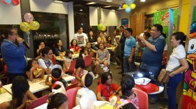 Early Christmas treat for street kids from REBAP Makati members providing Mcdonalds party last November 23, 2016.