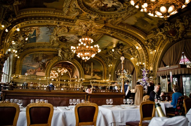 An Inside Look at Unique Paris Dining - Rebecca Recommends