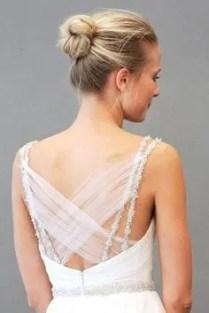 2015 Wedding Trends - Cute and simple ballerina bun from Rebecca Loves Weddings www.rebeccaanderton.co.uk