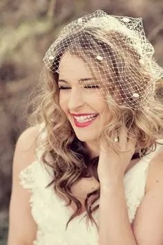 2015 Wedding Trends - Hair down with birdcage veil for wedding from Rebecca Loves Weddings www.rebeccaanderton.co.uk