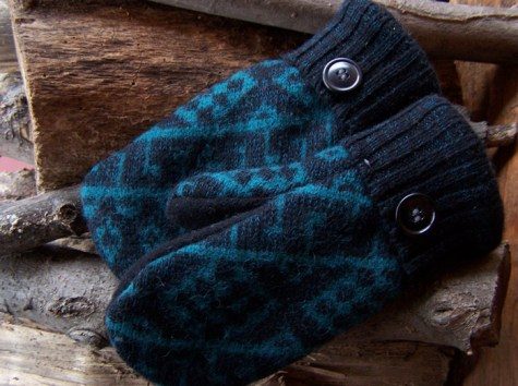 Wool mittens from sweaters