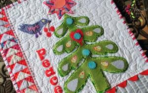 free mini quilt christmas tree applique pattern