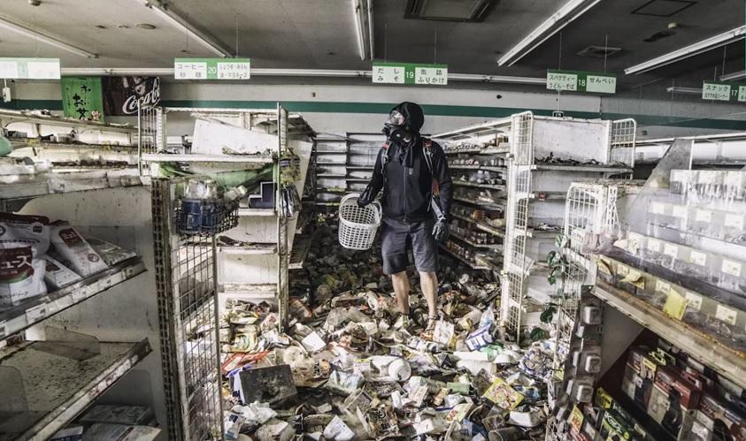 Urban Explorer reist in die radioaktiv verseuchte Geistermetropole Fukushima und macht gespenstische Aufnahmen