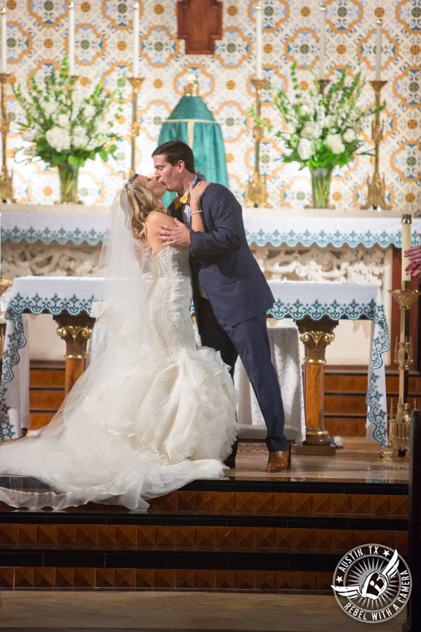 Glamorous Wedding Pictures At The Driskill Hotel Brandi