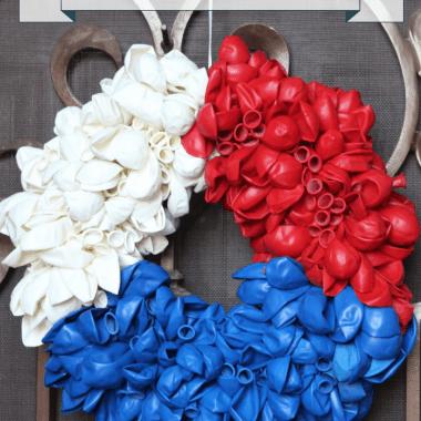 DIY Patriotic Balloon Wreath