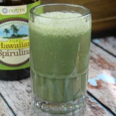 Super Green Healthy Spirulina Smoothie