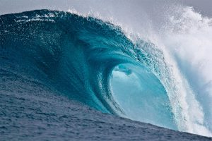 large_breaking_wave