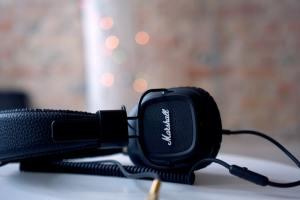 headphones under 150