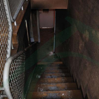 escalera-afectada-por-el-humo-del-incendio