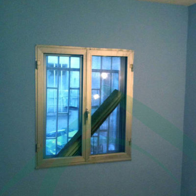 ventana-reparada-tras-incendio-de-la-vivienda