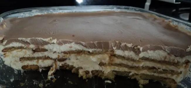 Receita de pavê de chocolate com biscoitos de maizena