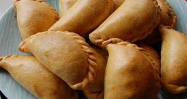 Receita de Pasteis de forno recheados - Como fazer Lasanha de Linguiça e Tomate
