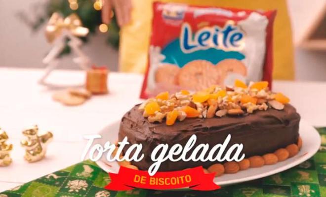 Torta Gelada de Biscoito com Castanha e Frutas Secas