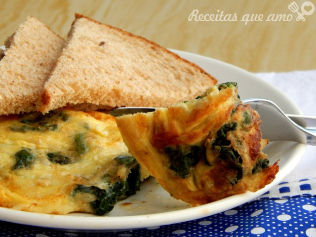 Omelete com espinafre