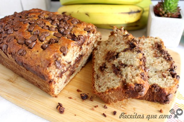 Bolo de banana com chocolate
