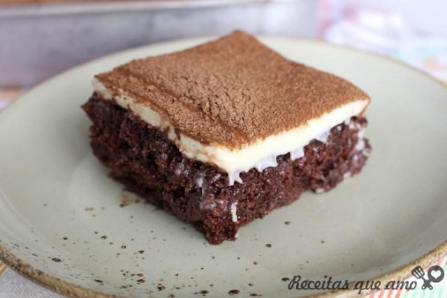 Bolo mousse de chocolate com leite em pó