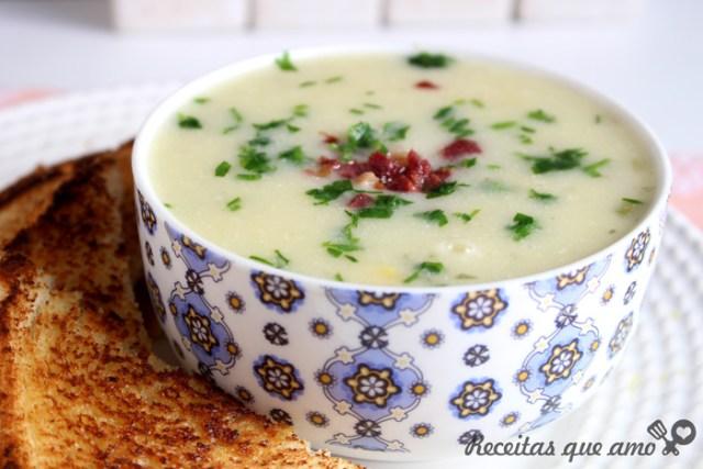 Sopa de batata com milho