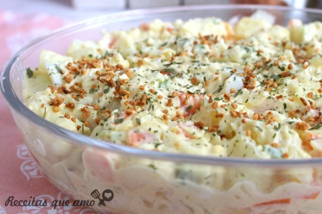 Salada de batatas prática e rápida