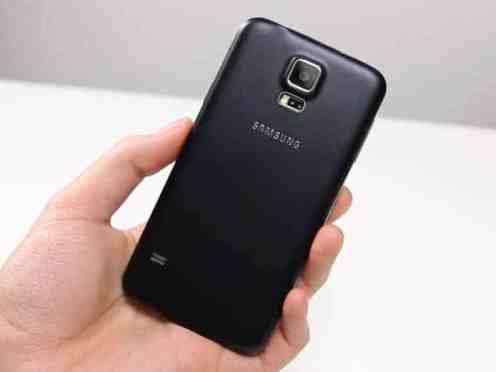 Samsung Galaxy S5 Neo - posteriore