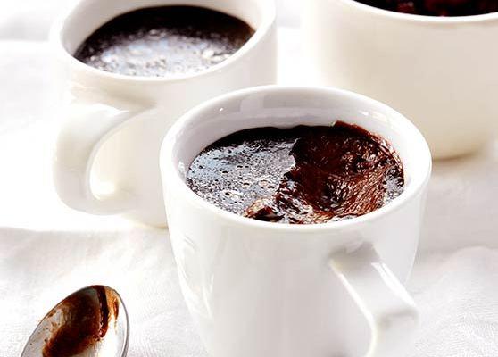 Chokladpudding med körsbärssås
