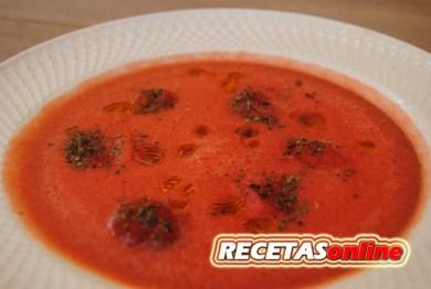 Sopa fría de tomate y sandía - Recetas de cocina RECETASonline
