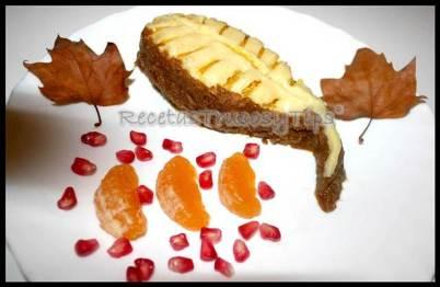 Dulce con sabor otoñal acompañado de mandarina y granada - Recetas de cocina RECETASonline