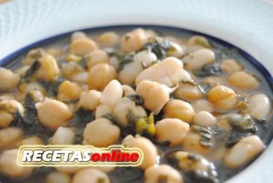 Potaje de garbanzos, judías y espinacas - Recetas de cocina RECETASonline