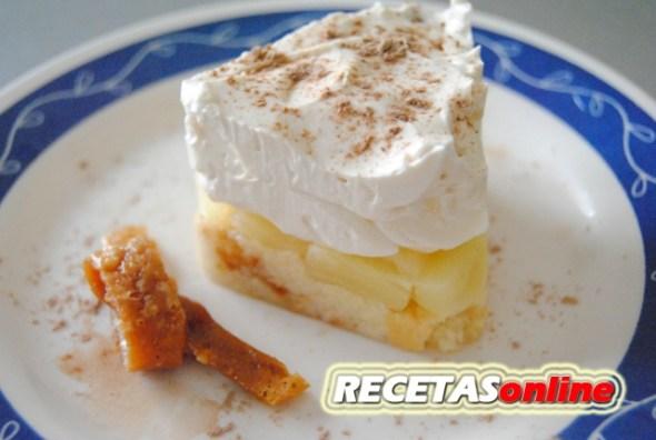 Semifrío de piña con mousse de limón - Recetas de cocina RECETASonline