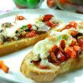Crostini de pimientos y mozzarella - Recetasde cocina RECETASonline