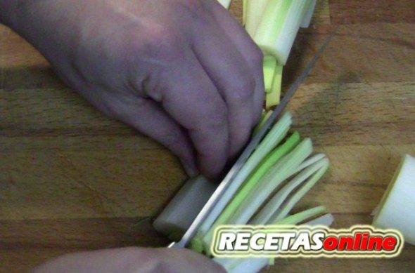 Posición correcta de las manos en el corte - Recetas de cocina RECETASonline
