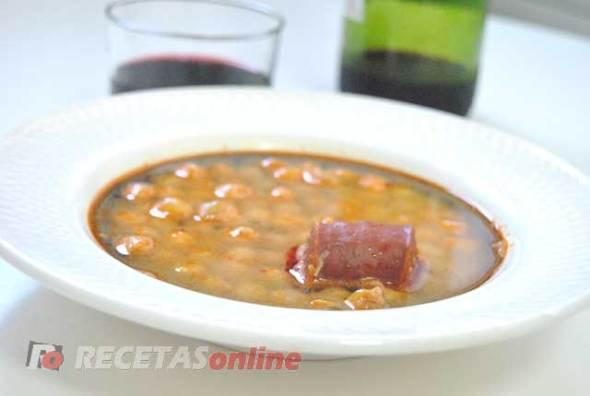 Cazuela-de-garbanzos-con-chorizo---Recetas-de-cocina-RECETASonline