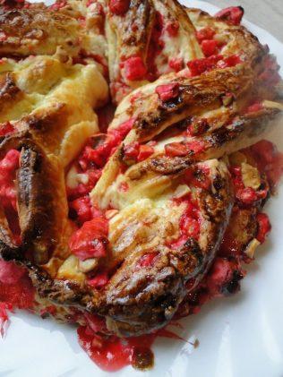 brioche tressé bakka ou kringle pralines rouge (5)