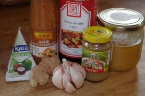 Ingrédients pour Brochettes de poulet saté - cuisine thaï © par Fanny GRW - Recettes d'ici et d'ailleurs