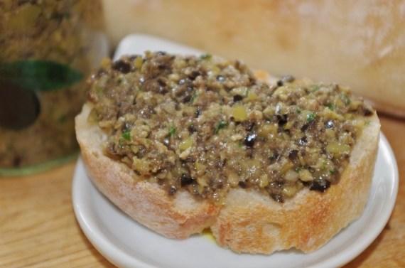 tapenade d'olive revisitée - olives vertes et noires - recettes de cuisine par FANNY