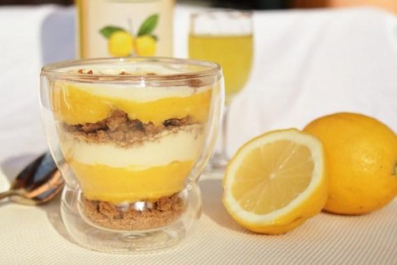Verrine aux spéculoos, mascarpone au miel et lemon curd © Balico & co