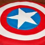 gâteau bouclier Captain America Avengers en pâte à sucre - Cuisine maison © par Fanny GRW - Recettes d'ici et d'ailleurs
