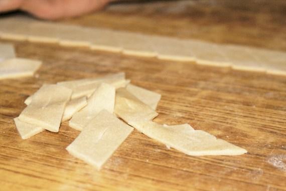 Biscuits tibétains Sweet Bread - Cuisine tibétaine © Recettes d'ici et d'ailleurs