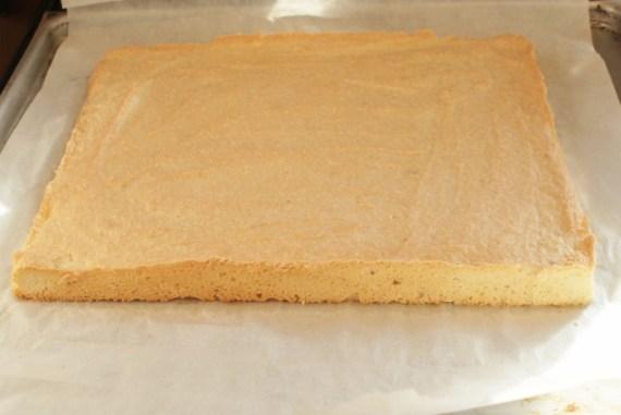 Biscuit dacquoise à l'amande - Base pour bûche entremet  © Balico & co