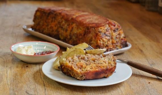 Pain de viande au bacon et aux légumes